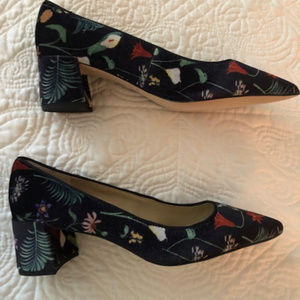 Block heeled velvet pump 6.5